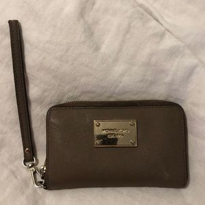 Michael Kors Wallet Wristlet Clutch